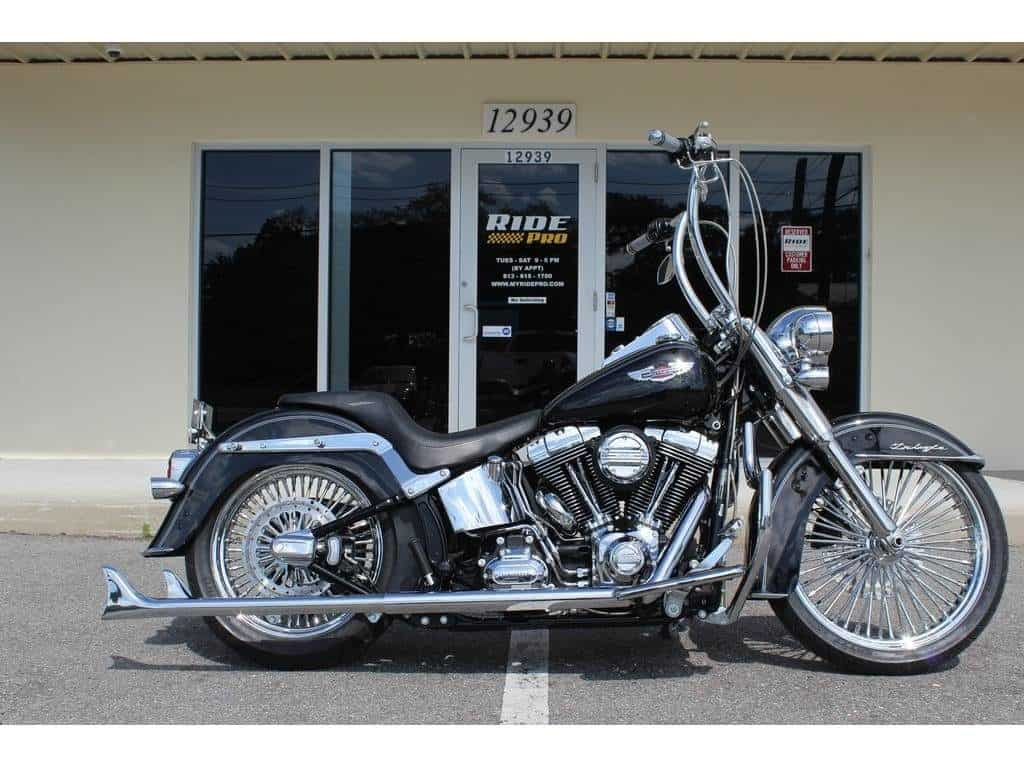 2105-softail-Deluxe-1